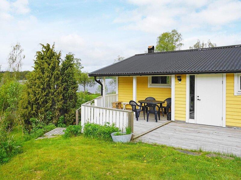 6 person holiday home in HOLSLJUNGA, location de vacances à Hacksvik
