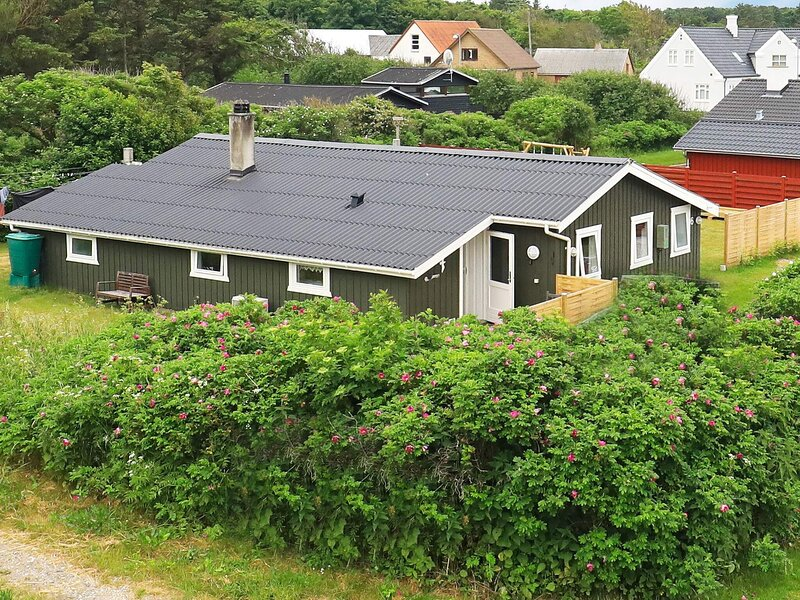 6 person holiday home in Hjørring, casa vacanza a Lonstrup