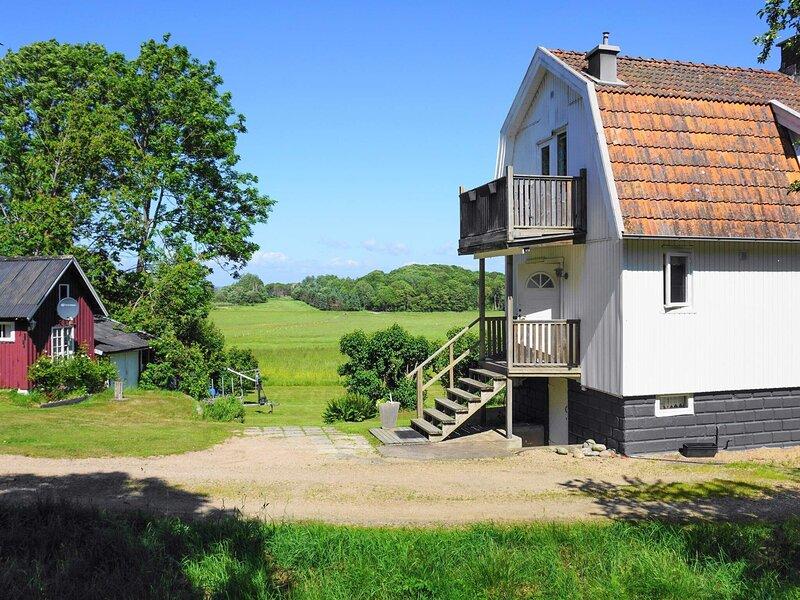 4 star holiday home in ELLÖS – semesterbostad i Fiskebäckskil