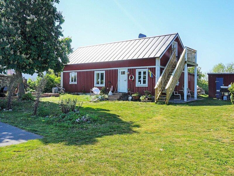 6 person holiday home in SÖLVESBORG, aluguéis de temporada em Bromolla