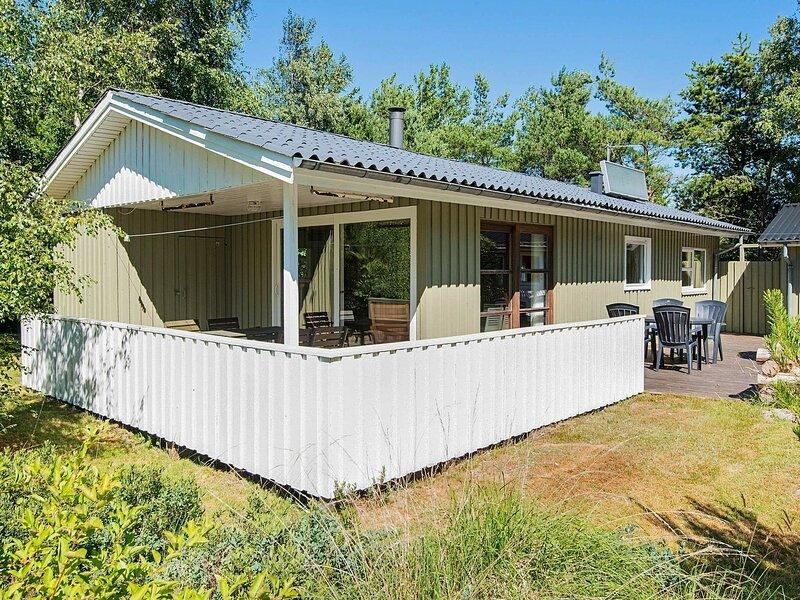 Cozy Holiday Home in Brovst near Langdal Plantation, alquiler vacacional en Fjerritslev