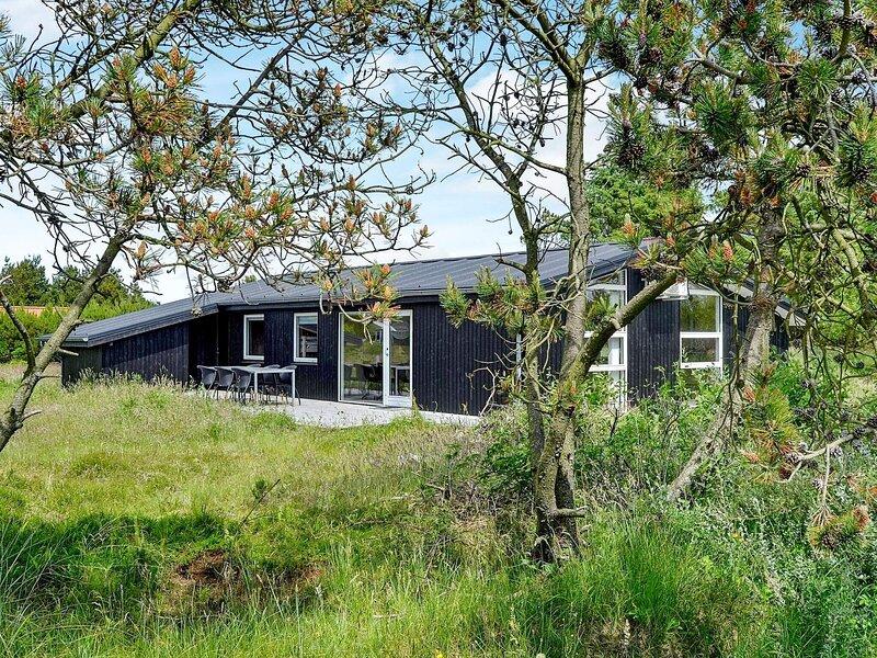 Fabulous Holiday Home in Fanø near Sea, holiday rental in Fanoe