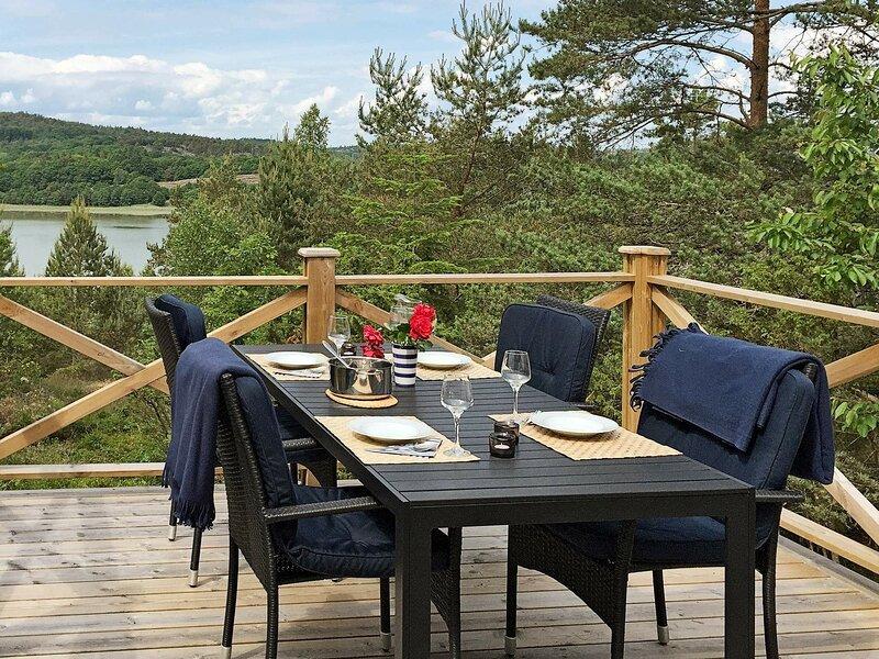 6 person holiday home in Hjälteby, alquiler vacacional en Stora Dyron