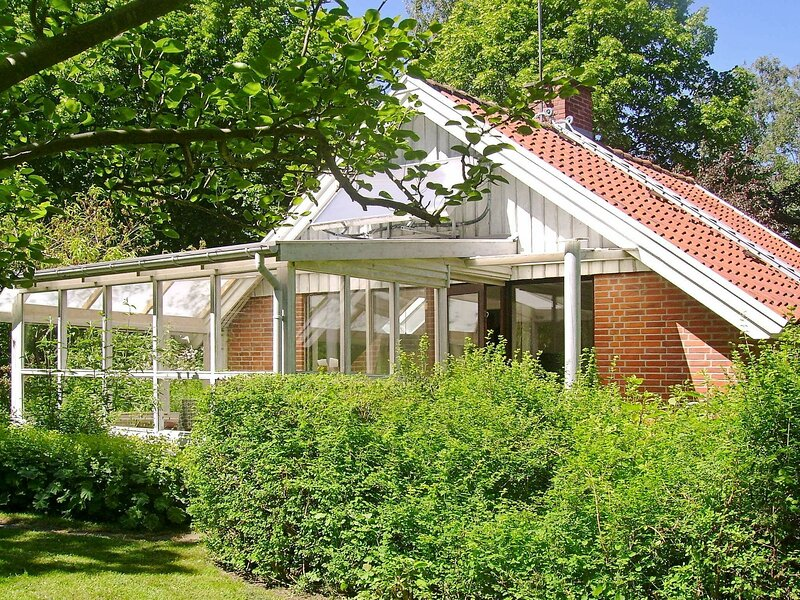 Alluring Holiday Home in Gilleleje with Barbecue, holiday rental in Gilleleje