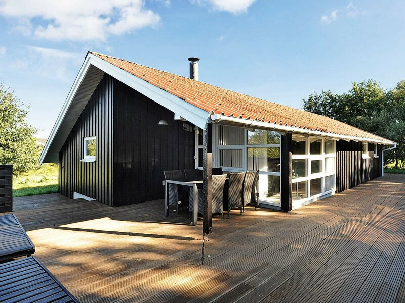 Quaint Holiday Home in Fanø with Sauna, holiday rental in Fanoe