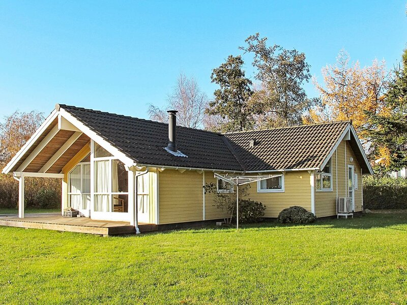 Cozy Holiday Home in Bogø By with Sauna, holiday rental in Vordingborg Municipality