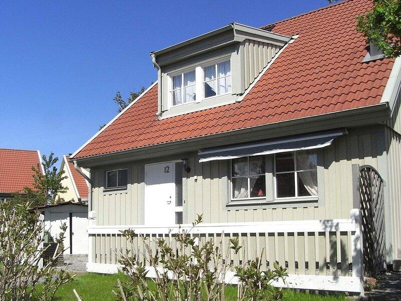 8 person holiday home in Lysekil – semesterbostad i Fiskebäckskil