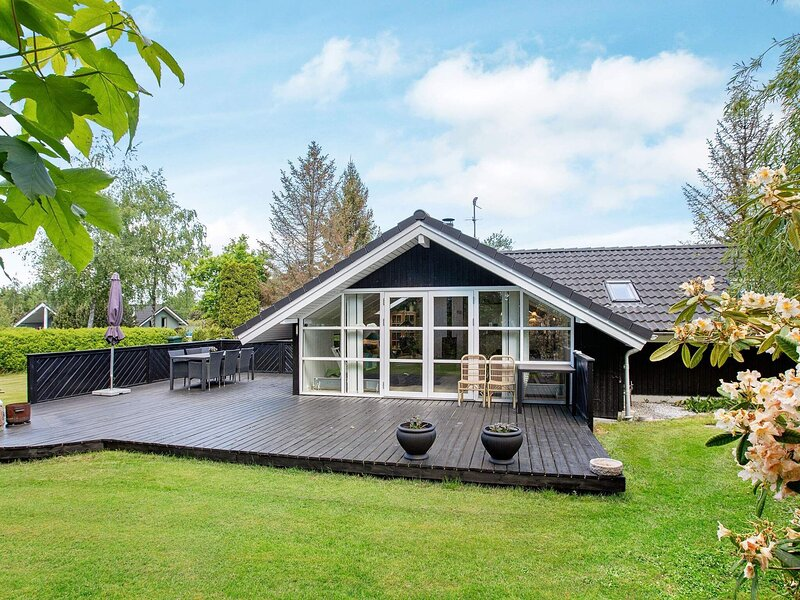 Modern Holiday Home in Væggerløse with Barbecue, holiday rental in Gedser