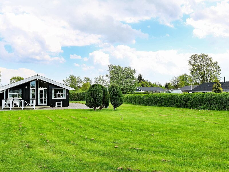 Refined Holiday Home in Hadsund with Sauna, casa vacanza a Mariagerfjord Municipality