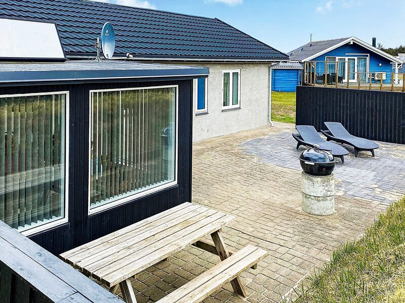 Secluded Holiday Home in Ulfborg with Terrace, holiday rental in Vederso Klit