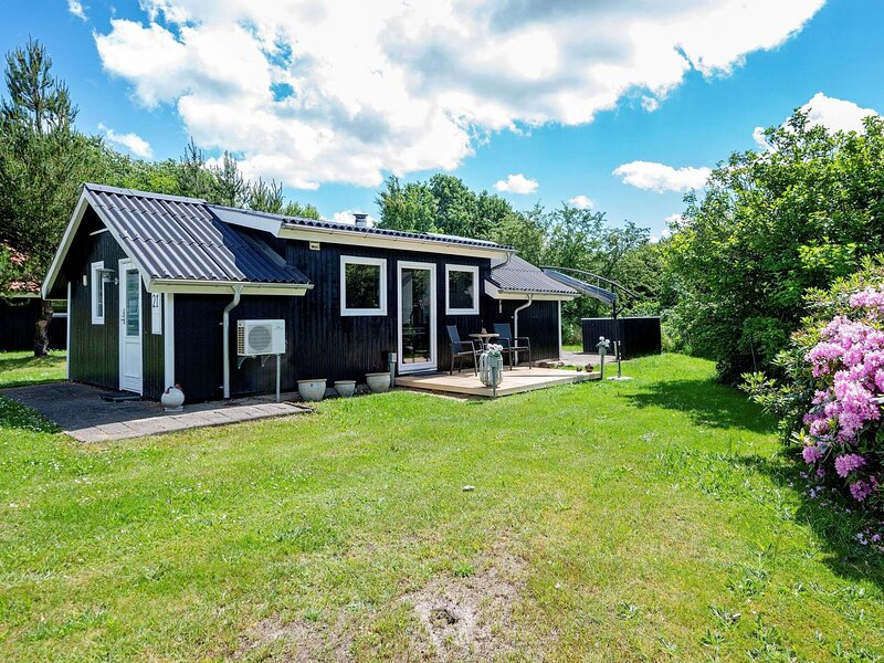 4 person holiday home in Hovborg, location de vacances à Hovborg
