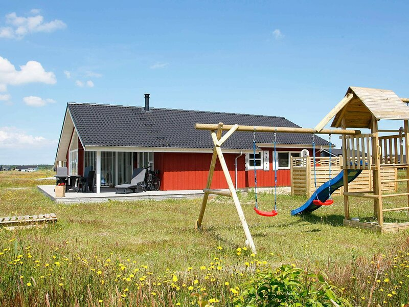 Stylish Holiday Home in Brovst with Sauna, holiday rental in Jammerbugt Municipality