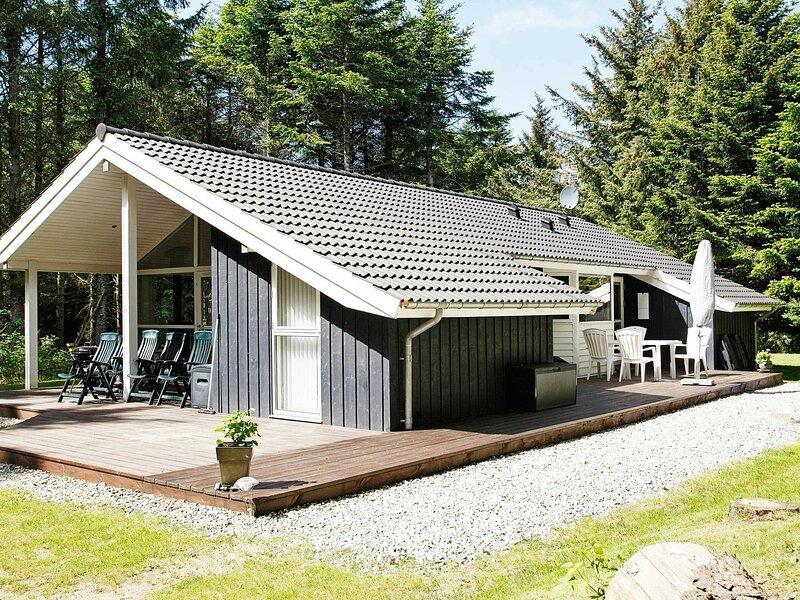 Serene Holiday Home in Løkken with Sauna, casa vacanza a Rubjerg