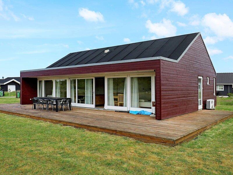 Elegant Holiday Home in Brovst with Sauna, alquiler vacacional en Fjerritslev
