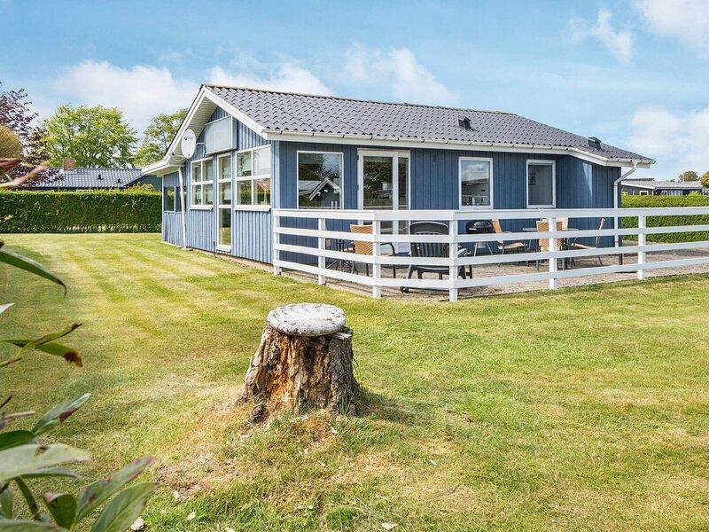 Comfortable Holiday Home near Sea at Hejls Jutland, vacation rental in Christiansfeld