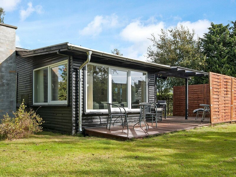 Chic Holiday Home in Børkop with Terrace, holiday rental in Egeskov