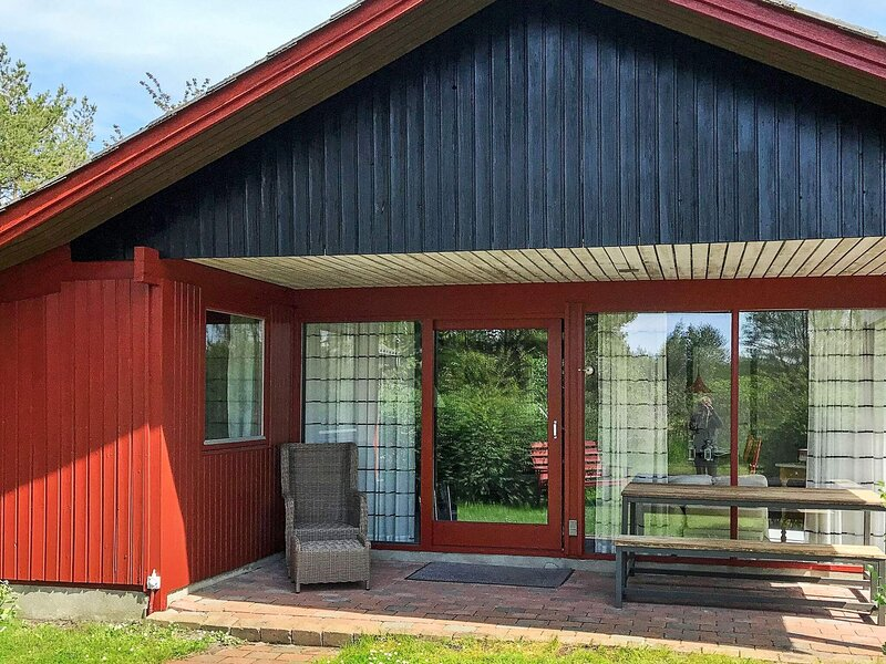 Amazing Holiday Home in Aakirkeby near Sea, holiday rental in Akirkeby