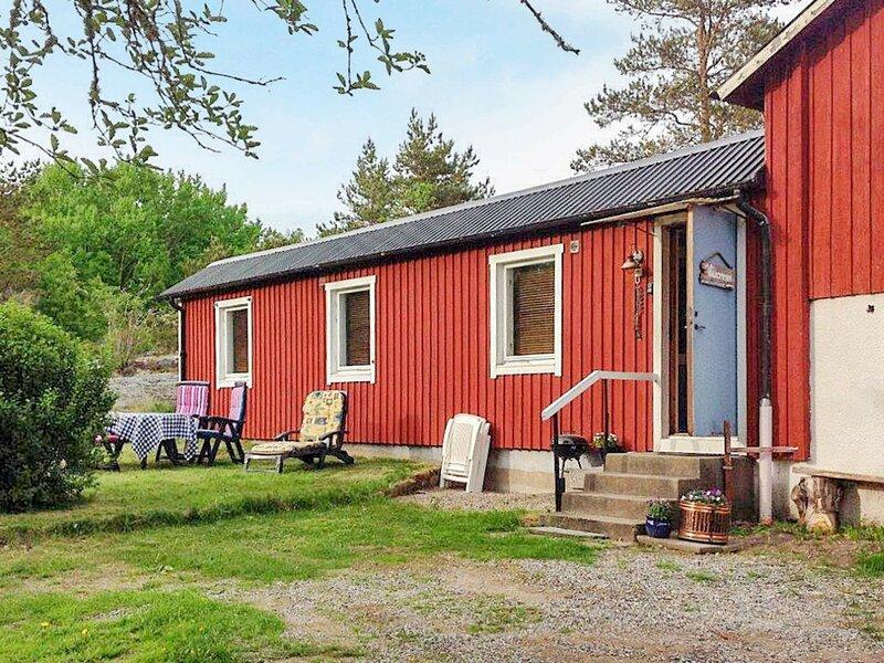 7 person holiday home in LUR – semesterbostad i Fjällbacka