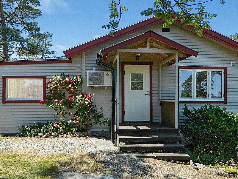 4 star holiday home in HAKENÄSET, alquiler vacacional en Stora Dyron