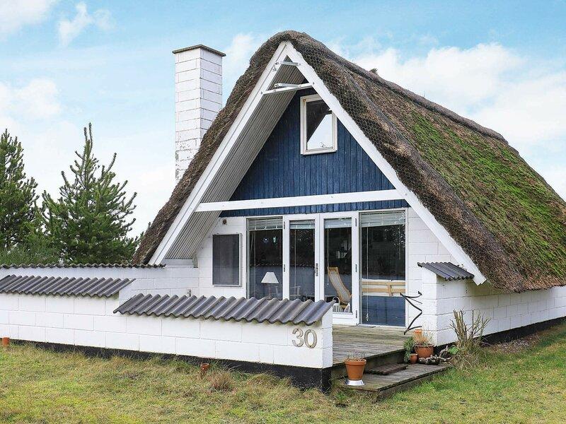 Lovely Holiday Home in Jutland near Sea, vakantiewoning in Vesterhede