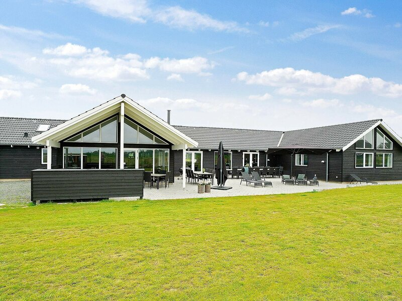 Beautiful Holiday Home in Funen with Swimming Pool, location de vacances à Brenderup