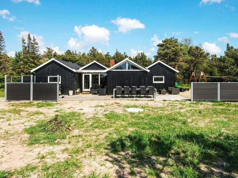 Cozy Holiday Home in Rømø with Swimming Pool, location de vacances à List