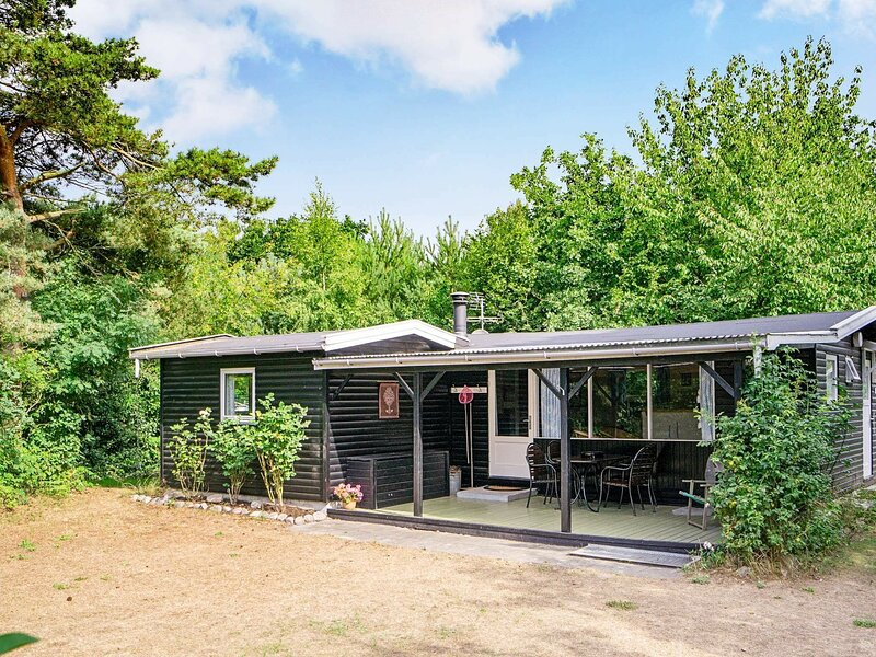 Modern Holiday Home in Bornholm Denmark with Terrace, holiday rental in Balka