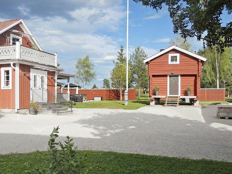 4 person holiday home in RÄTTVIK – semesterbostad i Vikarbyn