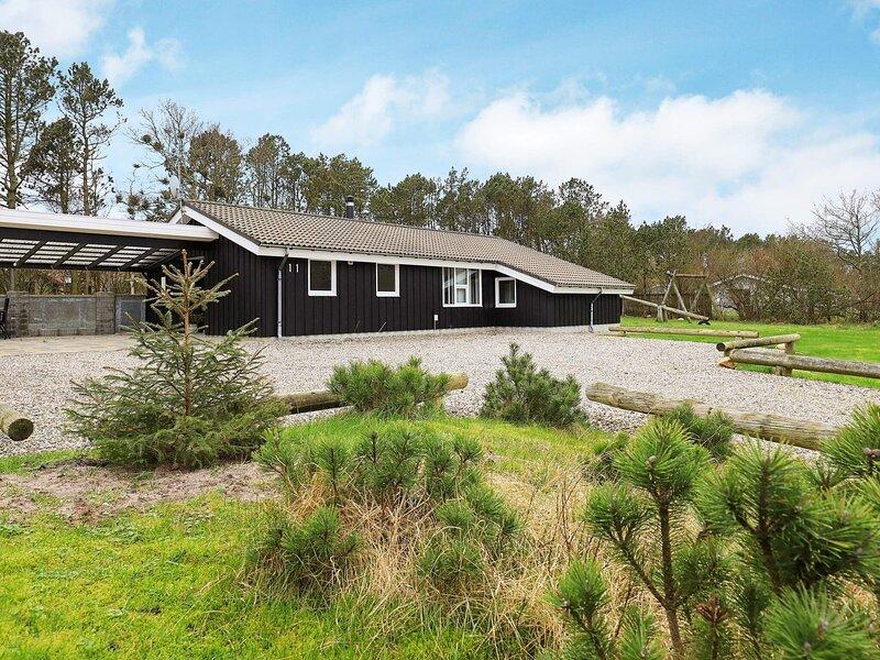 Modern Holiday Home in Ringkobing Jutland with Campfire, vakantiewoning in Vesterhede