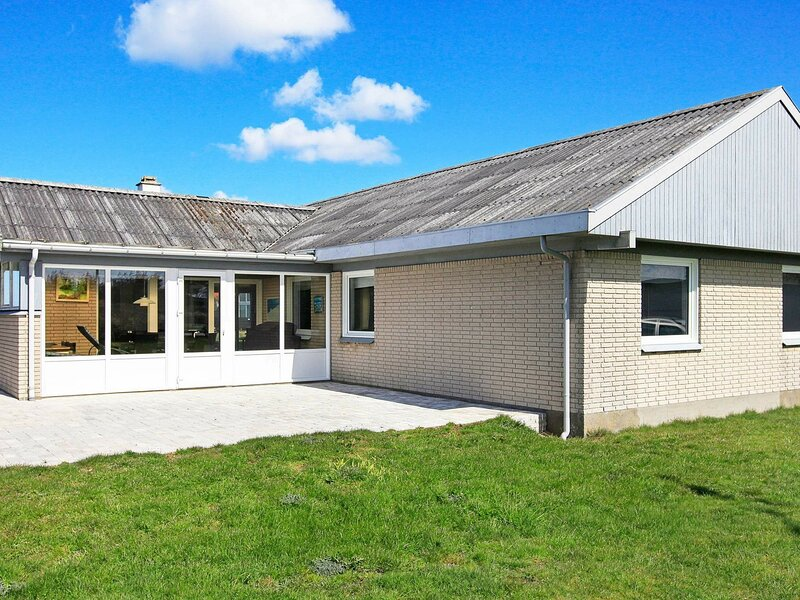 Exclusive Holiday Home in Thisted Jutland with Whirlpool, holiday rental in Skyum