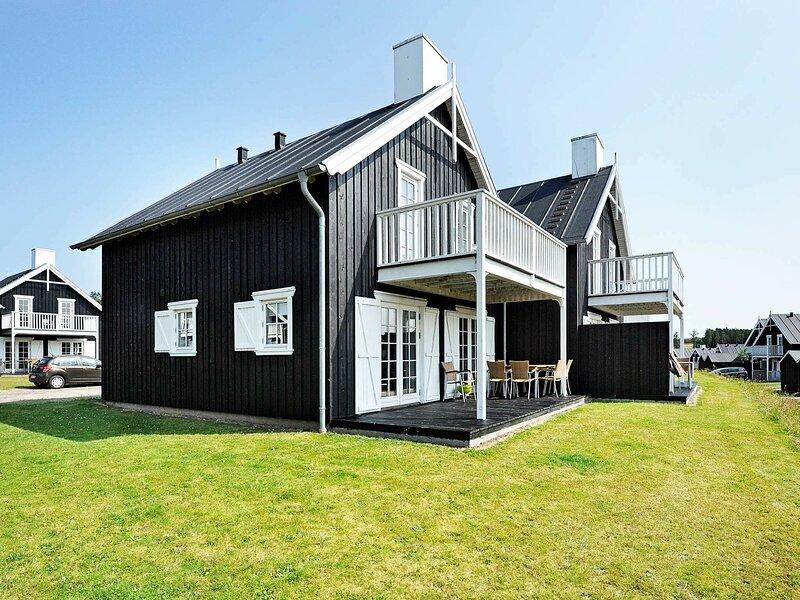 Attractive Holiday Home in Gjern Jutland with Swimming Pool, casa vacanza a Kjellerup