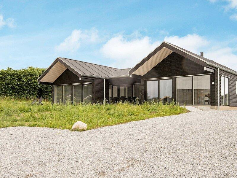 Delightful Holiday Home in Jutland Denmark with Sauna, holiday rental in Genner