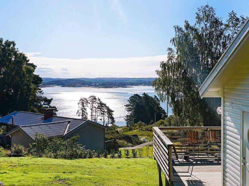 4 person holiday home in Höviksnäs, alquiler vacacional en Stora Dyron