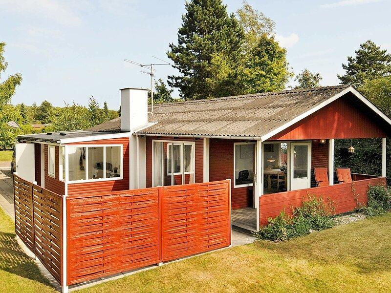 Serene holiday home in Svendborg with foosball table, location de vacances à Tranekaer