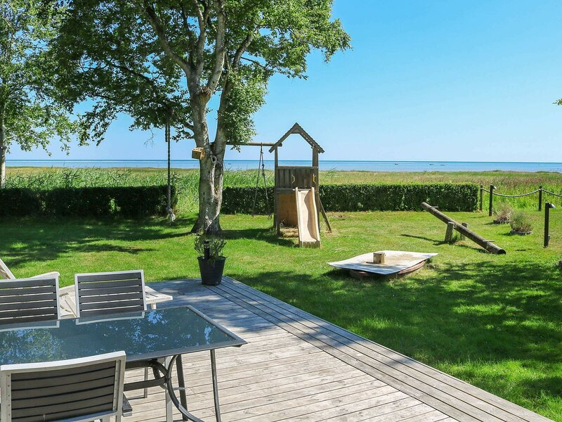 Charming Holiday Home in Jutland With Sea View, casa vacanza a Mariagerfjord Municipality