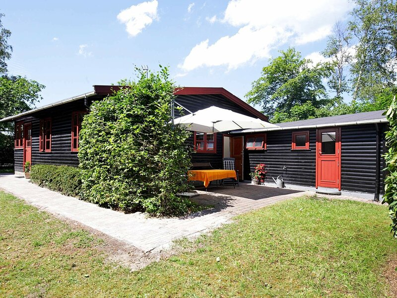 Preety Holiday Home in Hovedstaden with Terrace, holiday rental in Gilleleje