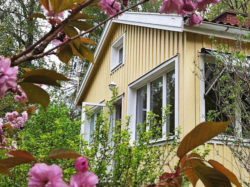 4 star holiday home in ALINGSÅS, alquiler vacacional en Nygard