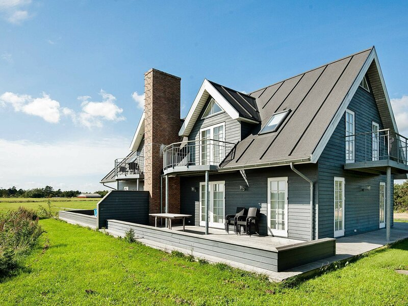 Modern Holiday Home in Rømø With Relaxing Whirlpool, holiday rental in Ballum