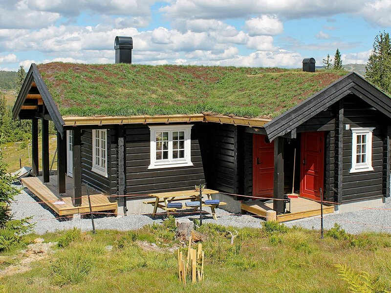 4 star holiday home in Svingvoll, holiday rental in Lillehammer