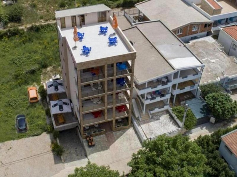 Apartments Kajic Plus -Two Bedroom Apartments with Sea view, holiday rental in Dubrava