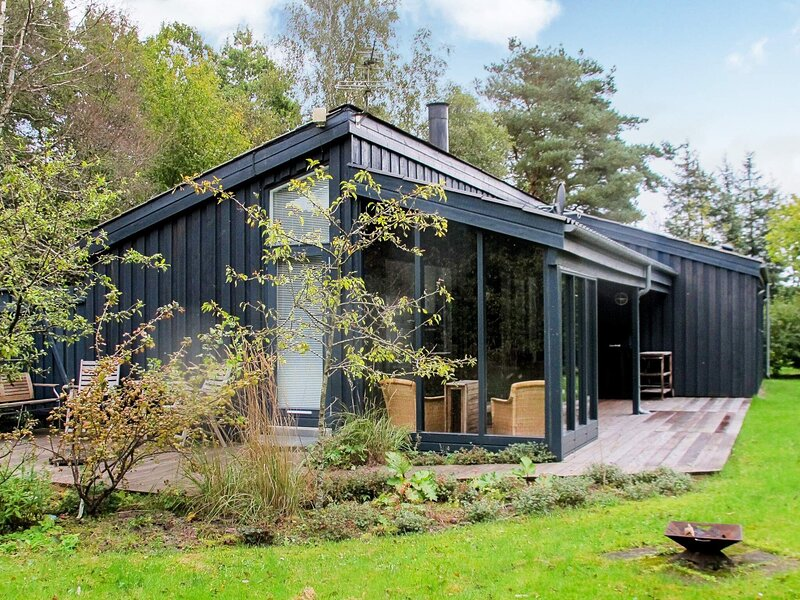 Modern Holiday Home in Hals with Barbecue, location de vacances à Hals