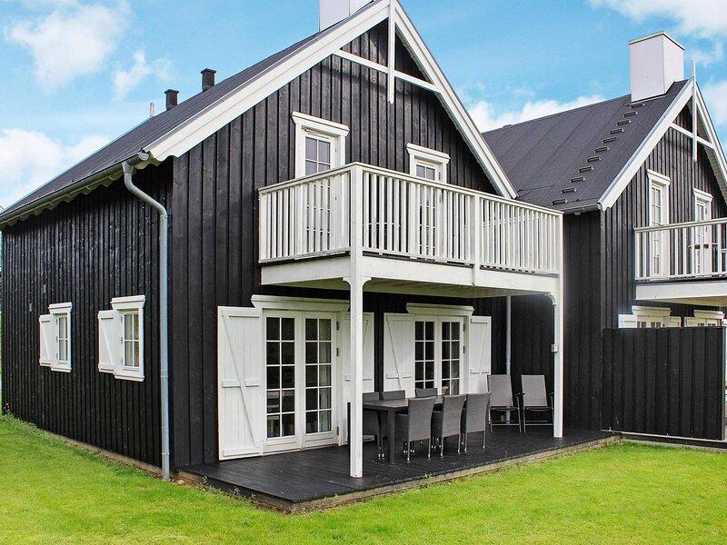 Modern Holiday Home in Silkeborg with Sauna, holiday rental in Harlev