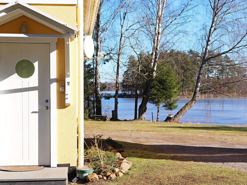 4 person holiday home in SKÅNES FAGERHULT, location de vacances à Bjarnum