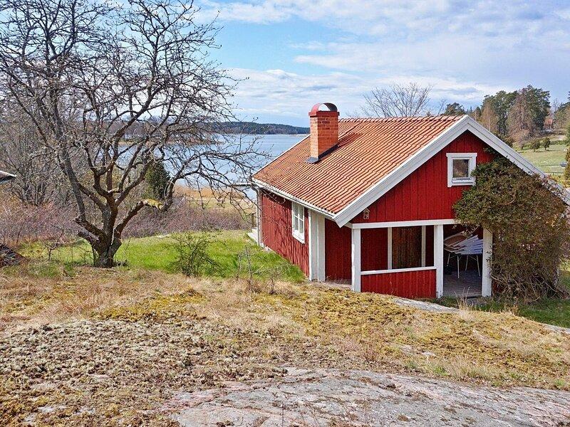4 person holiday home in VAXHOLM, alquiler de vacaciones en Vaxholm