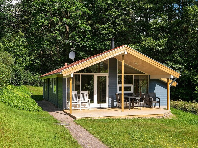 Quaint Holiday Home in Børkop with Swimming Pool, holiday rental in Skive