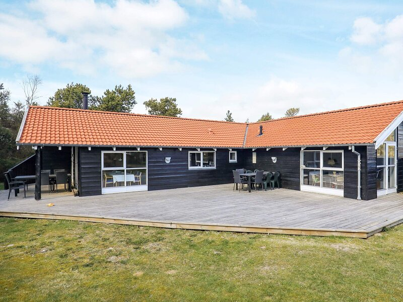 Modern Holiday Home in Hals with Swimming Pool, location de vacances à Hals