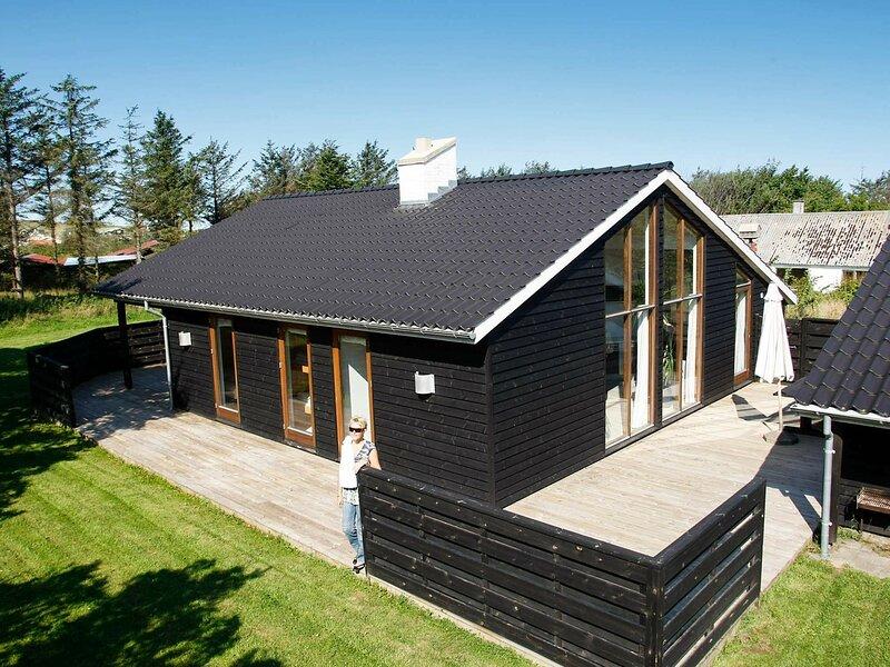 Lovely Cottage in Lønstrup with Sauna, casa vacanza a Lonstrup