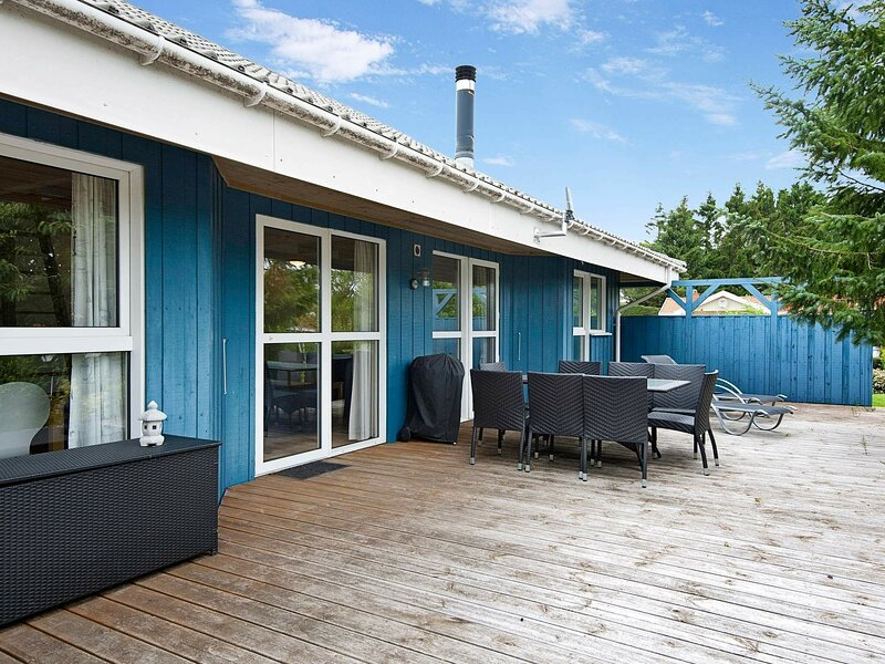 Lavish Holiday Home in Hejls with Sauna, vacation rental in Christiansfeld