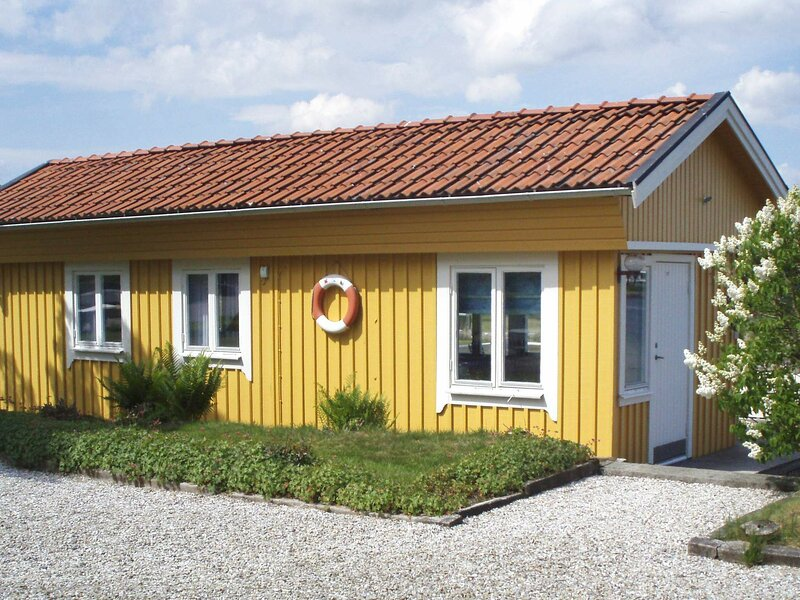 3 person holiday home in STENUNGSUND, location de vacances à Stenungsund
