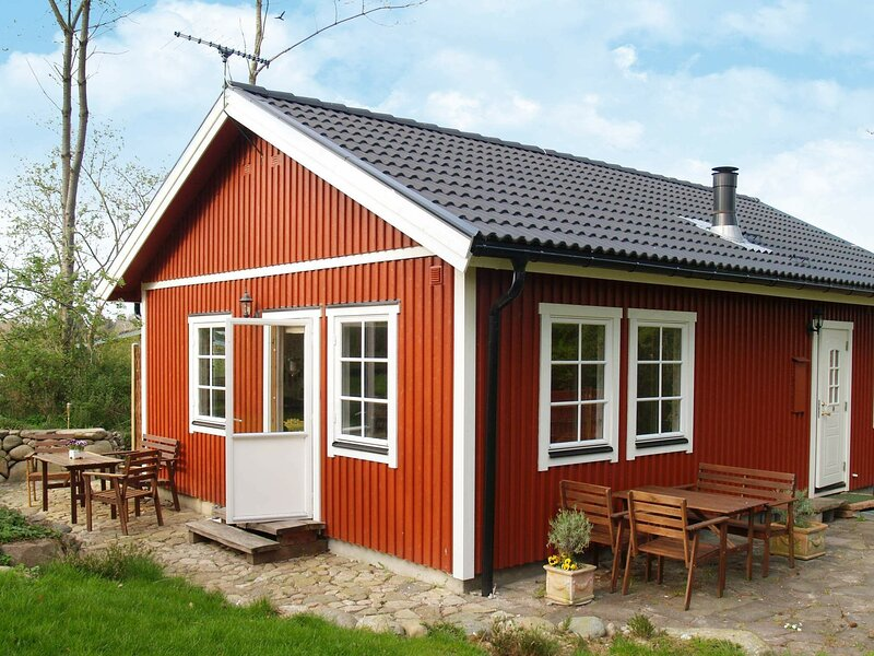 Cozy Holiday Home in Dronningmølle with Terrace, holiday rental in Gribskov Municipality